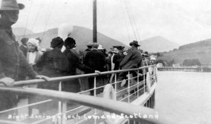 Australian troops on Prince Edward approaching Luss Pier in 1918