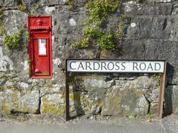 cardross road sign
