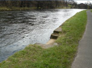 ferry steps on river leven